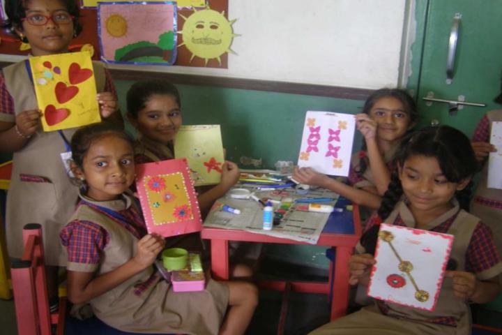 Chaitanya School-Painting class