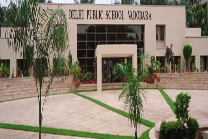 Delhi Public School-School View1