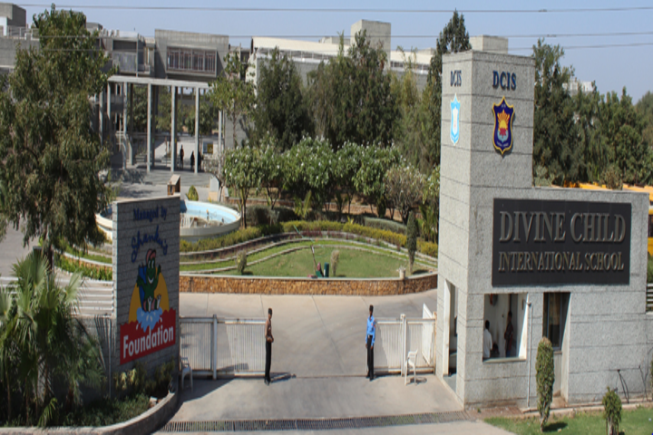 Divine Child International School-School View