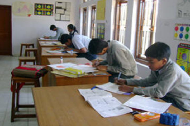 Essar International School-Maths Lab