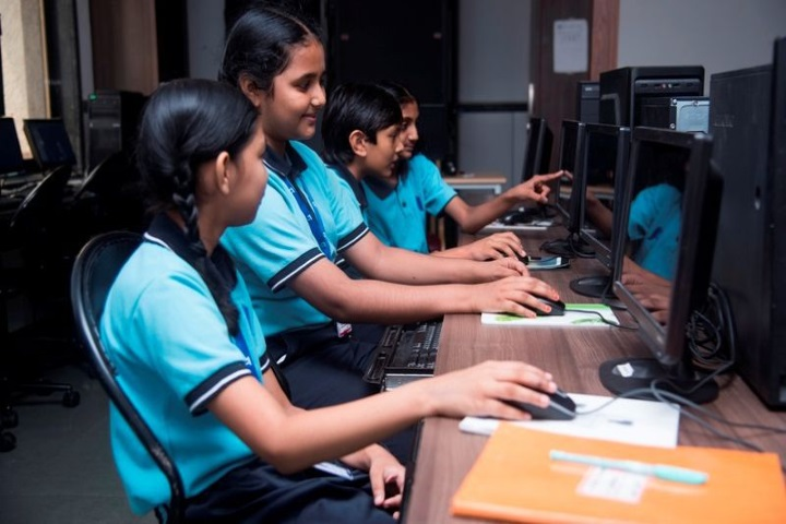 Gajera Global School-Computer Lab
