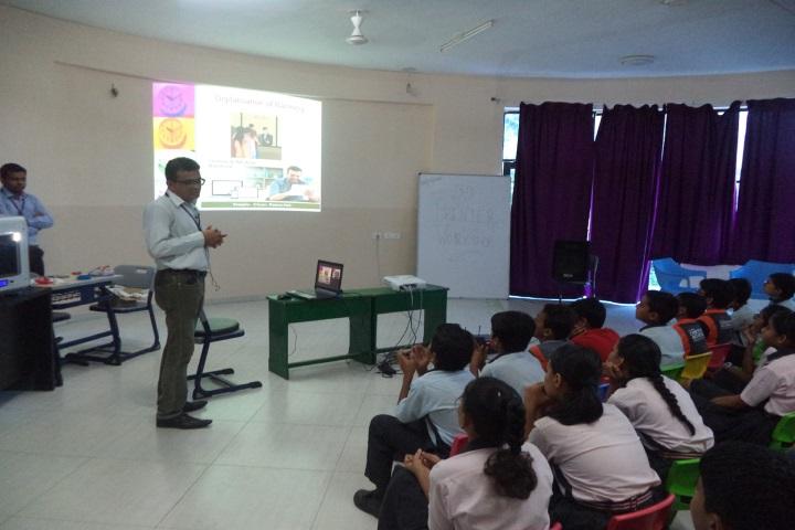Global Discovery School-Digital Classroom