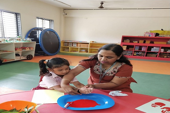 Global Indian International Schools-Activity for mothers day