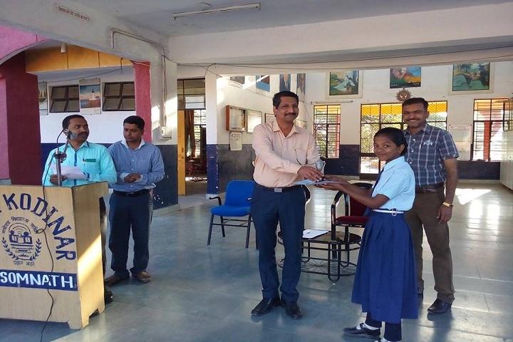 Jawahar Navodaya Vidayalaya-Award Receiving