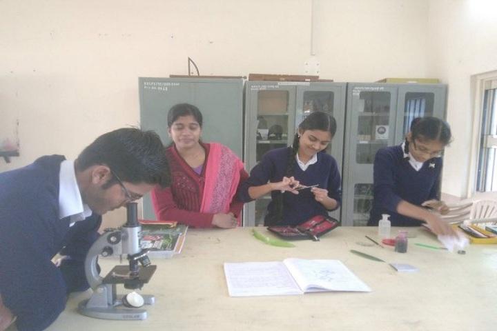 Kamala Rani Sanghi Public School-Biology Lab