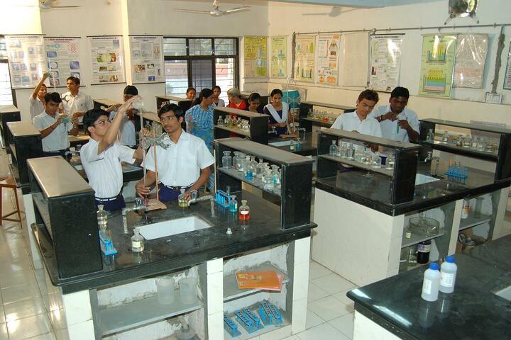 Kendriya Vidyalaya No 1-Chemsitry Lab