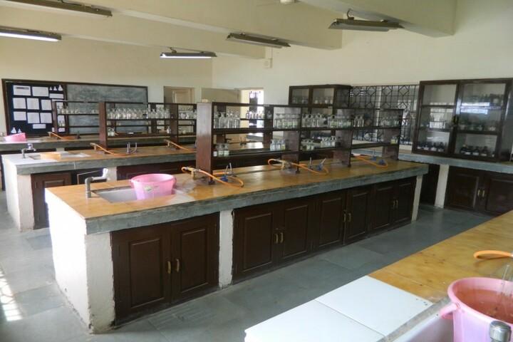 Kendriya Vidyalaya No 3-Chemistry Lab
