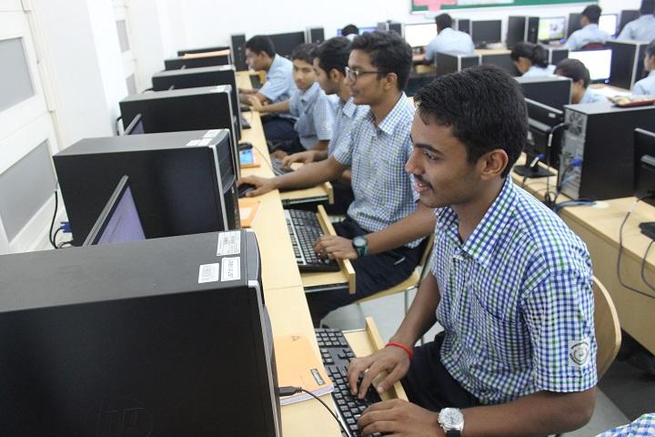 Kokilaben Dhirubhai Ambani Saraswati Vidya Mandir-IT-Lab