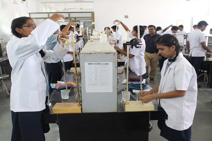 Kokilaben Dhirubhai Ambani Saraswati Vidya Mandir-Laboratory