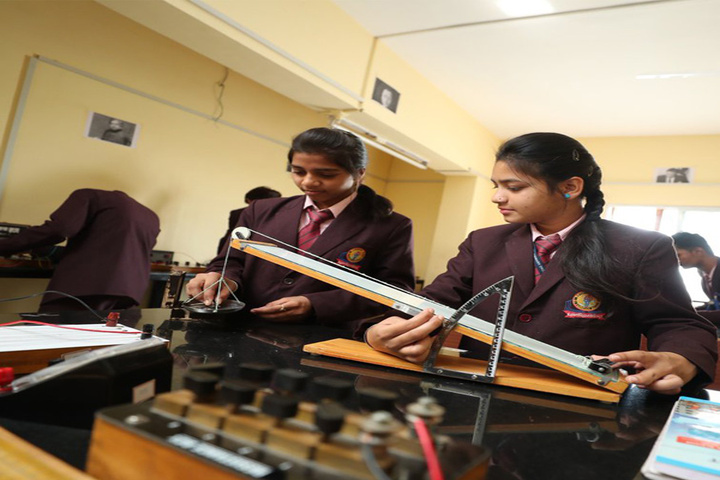 Om Landmark School-Physics-Lab