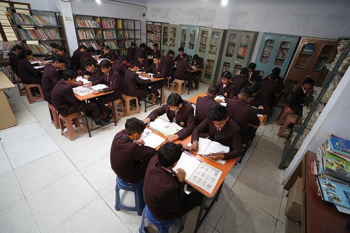 Om Landmark School-Library