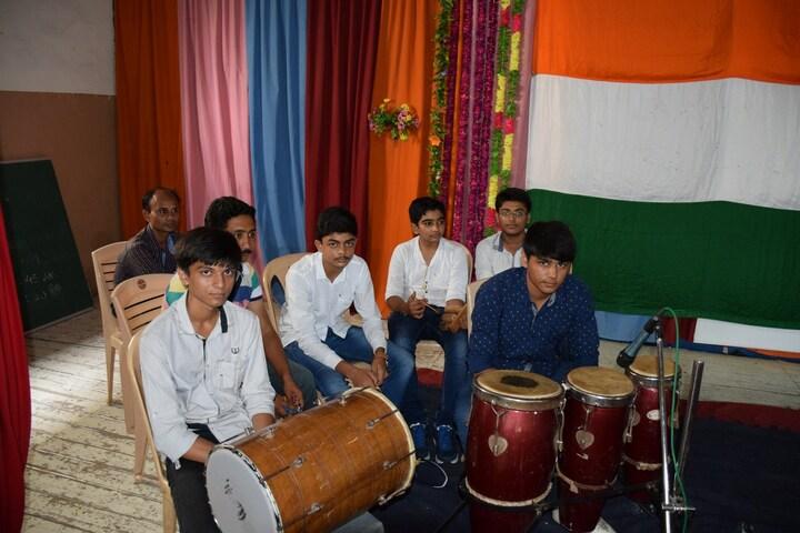 P P Savani Chaitanya Vidya Sankul-Music