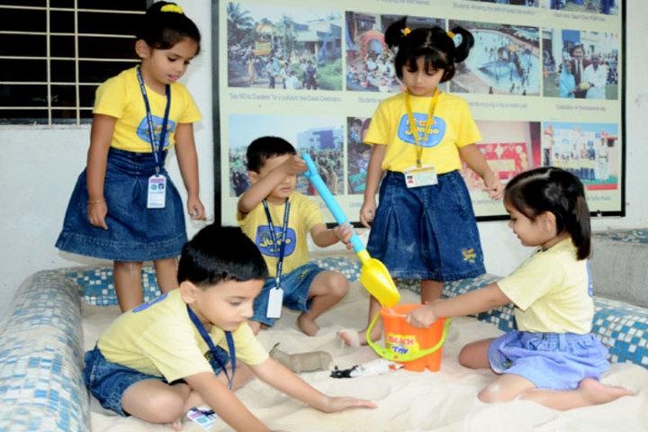 Podar World School-Sand play