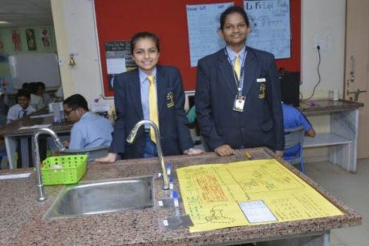 Podar World School-Physics Lab