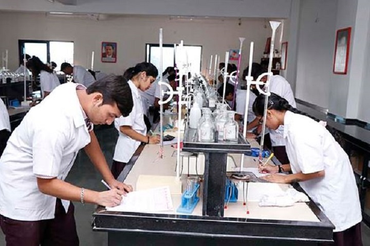 Radiant English Academy-Chemistry-Lab1