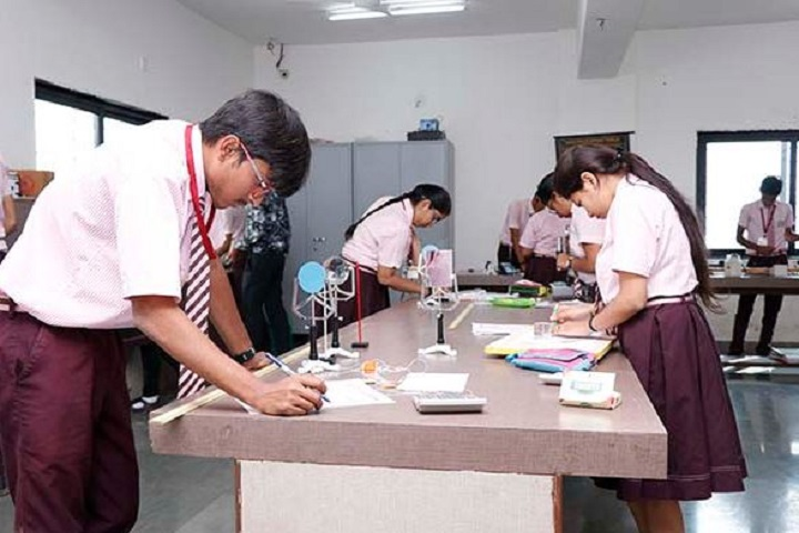 Radiant English Academy-Physics-Lab