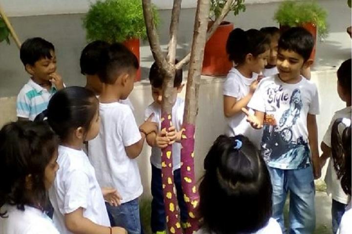 Sarojben Memorial International School-Fun Time