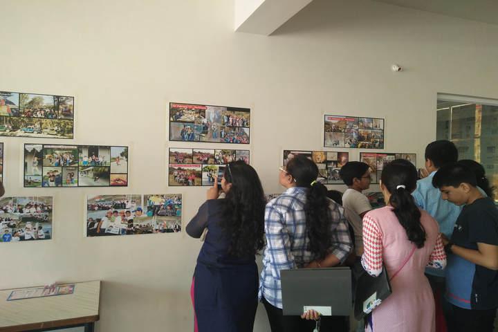 Sarojben Memorial International School-Photo Exhibition