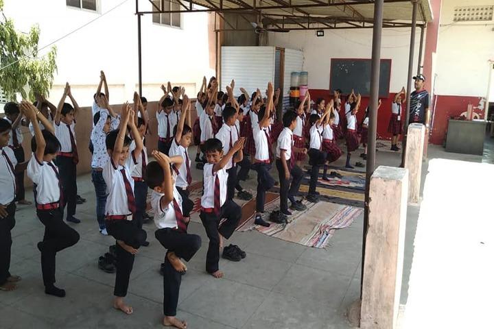 Savvy International School-Yoga
