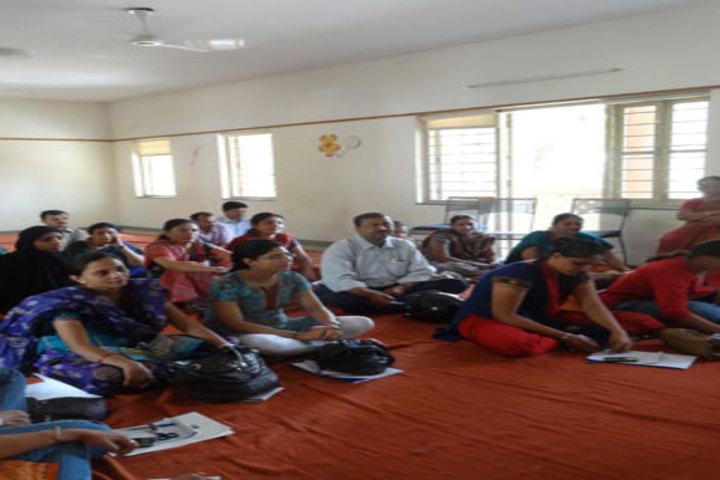Sheth C N English Medium School-Seminar Room