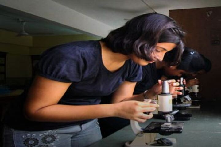 Shiv Ashish School-Biology Lab