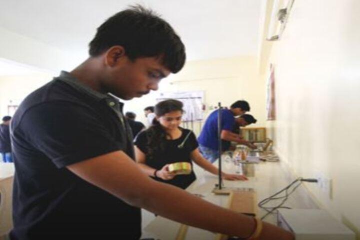 Shiv Ashish School-Physics Lab