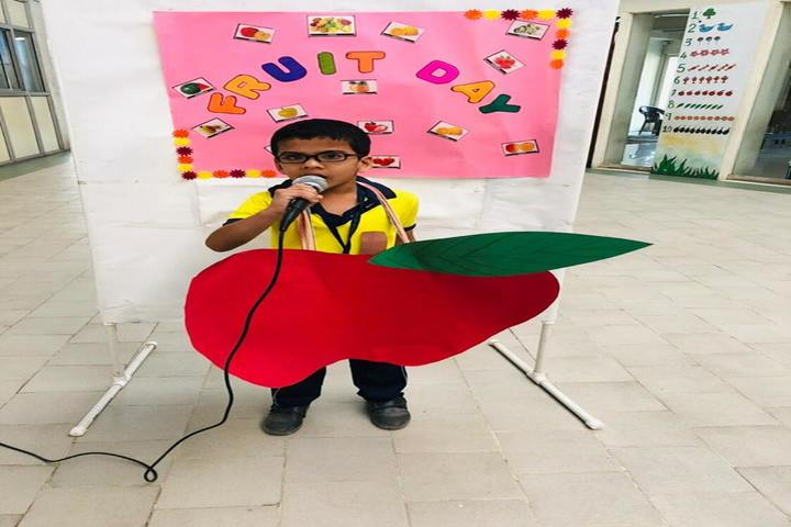 Shree Jain Yuvak Mandal English Medium School-Fruit Day