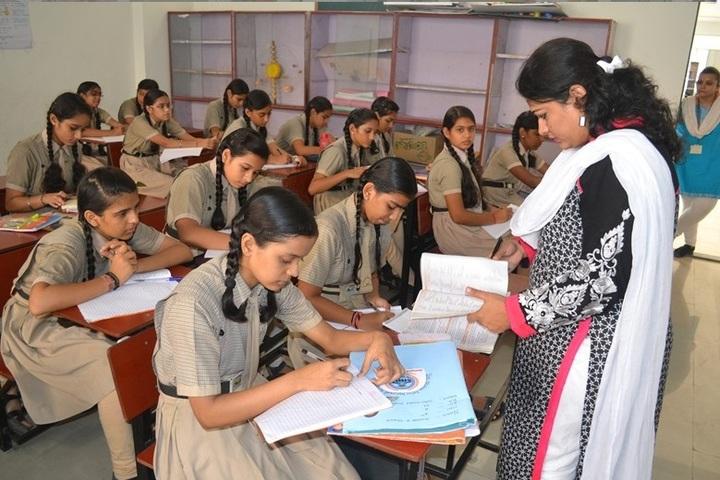 Shree Krishna International School-Classroom