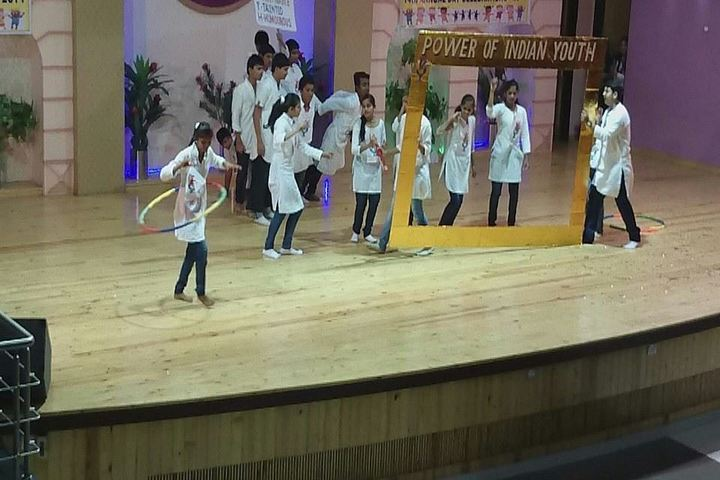 Shree Swaminarayan English Medium School-Dance Activity