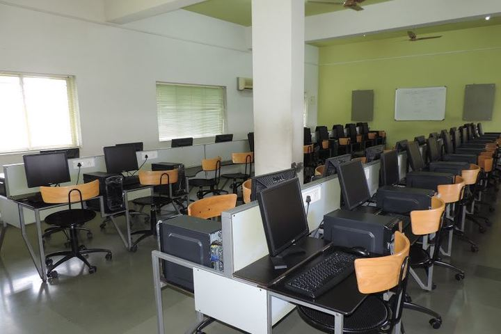 Shree Swaminarayan English Medium School-Computer Lab