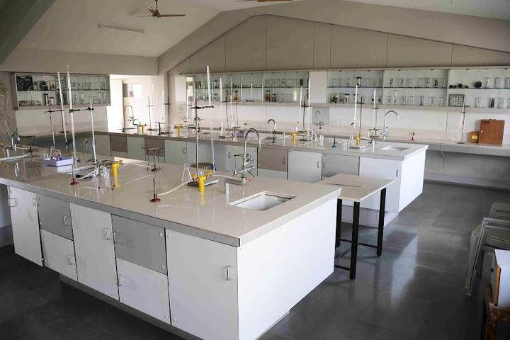 Shree Swaminarayan English Medium School-Science Lab