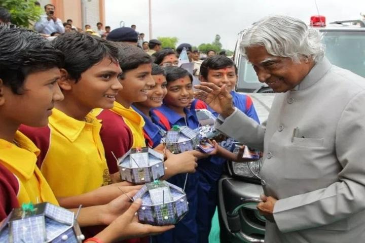 Shree Swaminarayan Gurukul Gyanbag International School-Industrial Visit