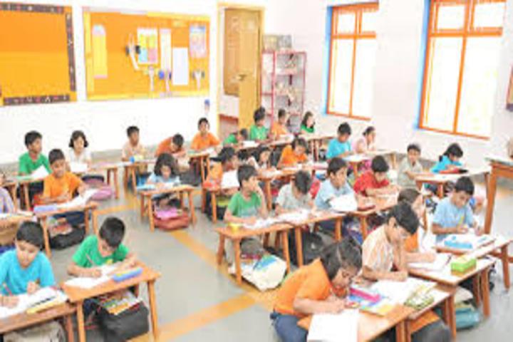Shree Swaminarayan Vidyalay-Classroom
