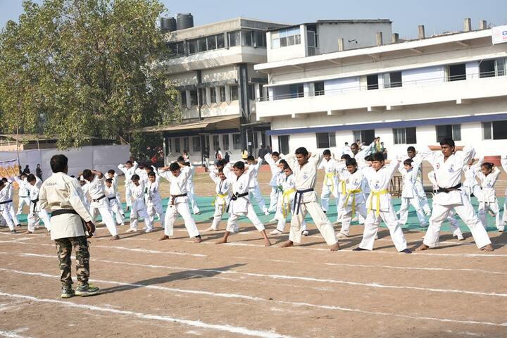 Shree Swaminarayan Vidyaveli Gyan Kendra English Medium School-Karate