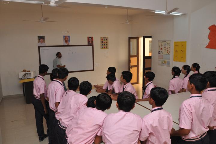 Shri Laxminarayan Vidya Prathishthan-Maths Lab