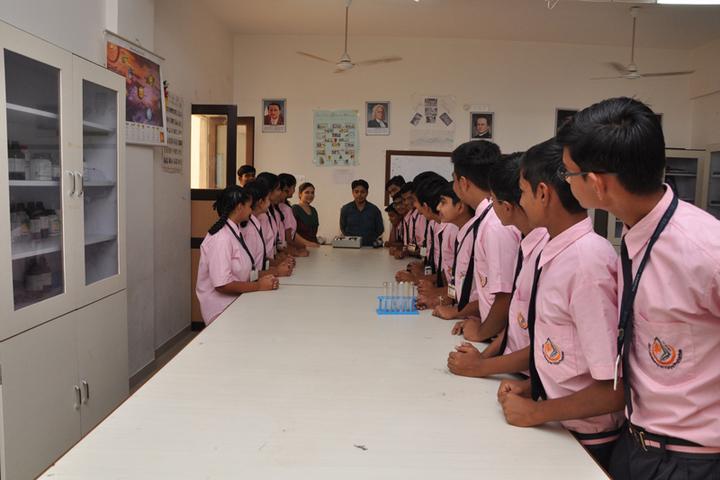 Shri Laxminarayan Vidya Prathishthan-Science Lab
