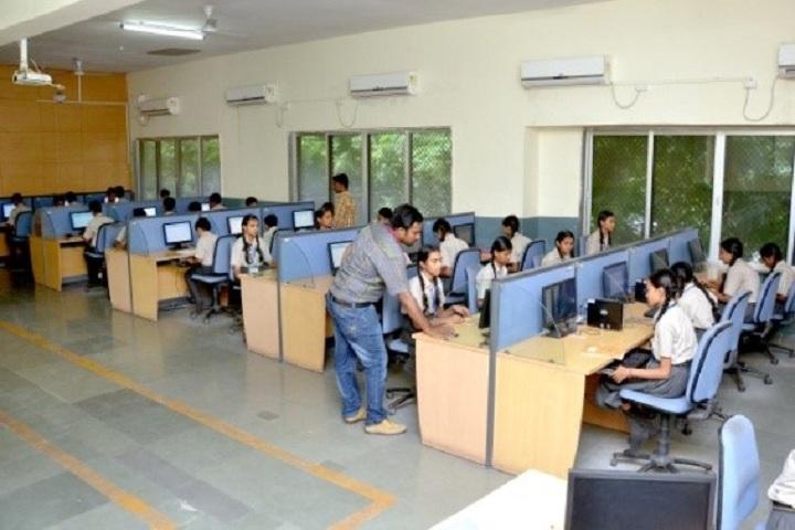 Shri O P Jindal Vidya Niketan-Computer Lab