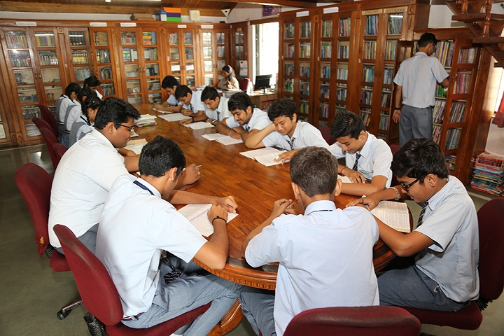 Shri Swami Narayan Academy-Library