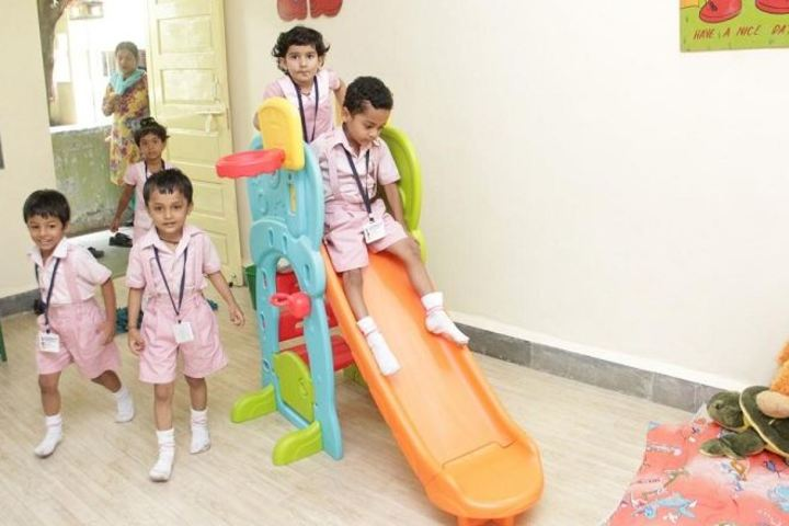 Shri L G Haria Multipurpose School-Kids Play Area