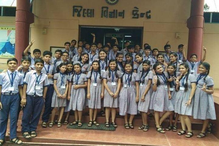Shri L G Haria Multipurpose School-School Trip