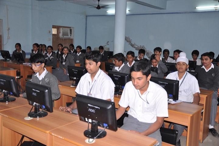 Shrimati Maniba Chunilal Patel Sanskar Vidya Bhavan-Computer Lab