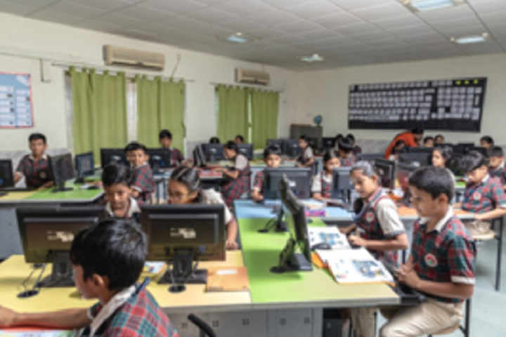 Smt Sandraben Shroff Gnyan Dham School-IT Lab