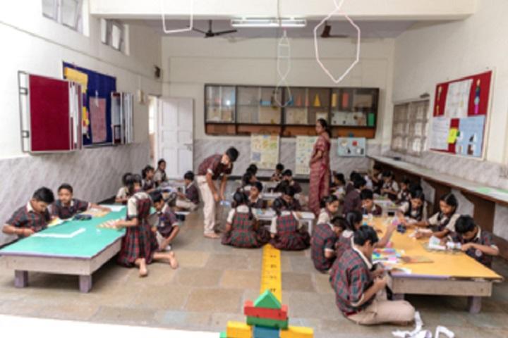 Smt Sandraben Shroff Gnyan Dham School-Maths Lab