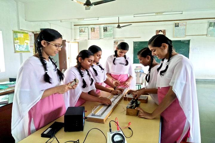 Sri Sathya Sai Vidyaniketan-Physics Lab