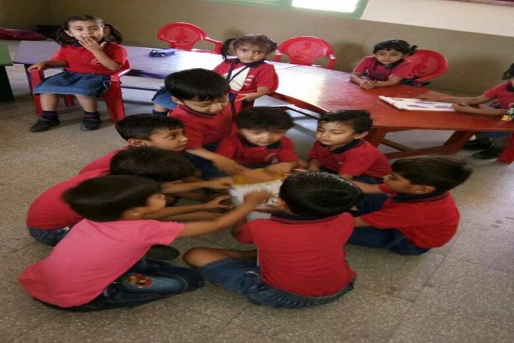 Sri Sri Ravishankar Vidya Mandir-Classroom Activity