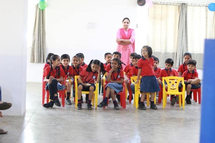 Sri Sri Ravishankar Vidya Mandir-Classroom