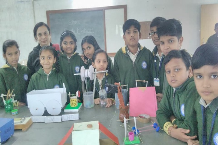 Sri Sri Ravishankar Vidya Mandir-School Exhibition