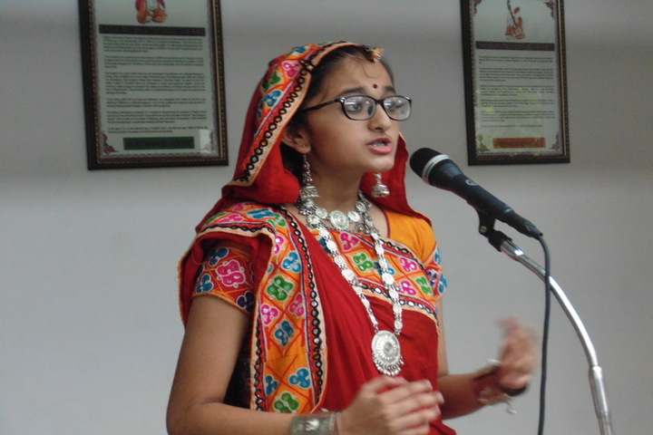 Swaminarayan Vidyapith-Singing