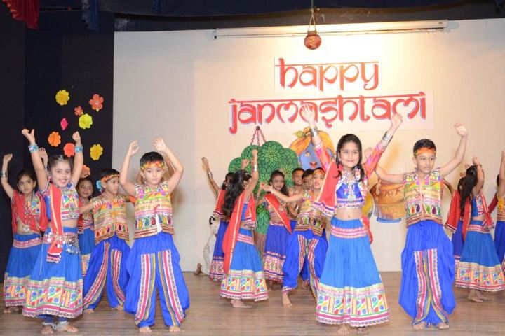 Vallabh Ashrams M G M Amin And V N Savani School-Annual Day