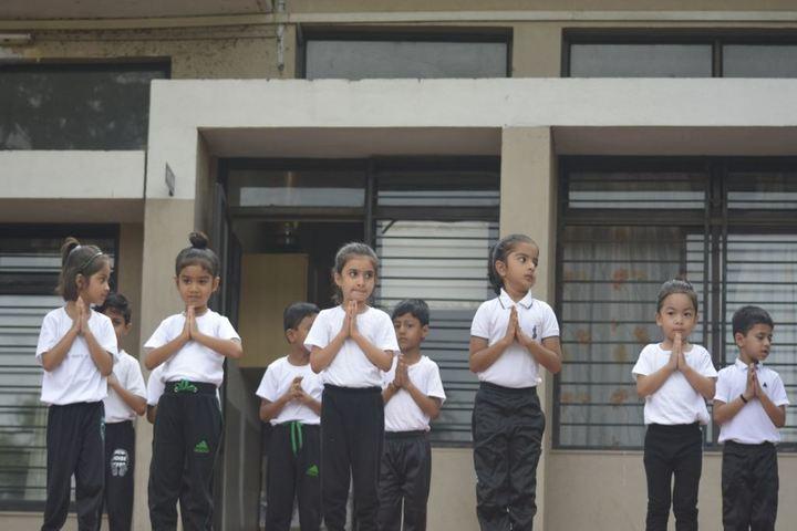 Vallabh Ashrams M G M Amin And V N Savani School-Yoga